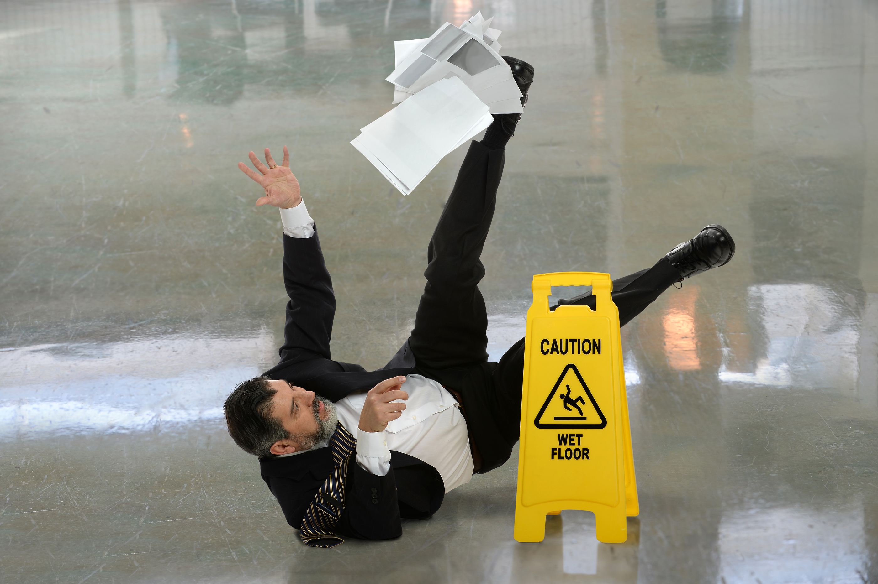 Slip & Fall Injury – Dr. Dean Zusmer Miami Chiropractic Care